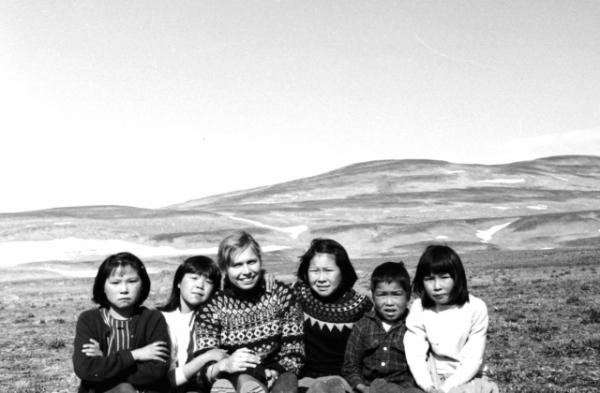 p-scoresby1968-9-1 b-Kap Hope, enfants de Magtigalat Arke et de Noa Madsen.jpg